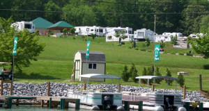 Camping Lakeview RV Park in East Tennessee