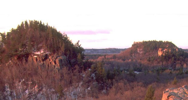 Mill Bluff State Park