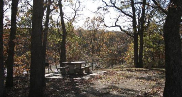 Camping Cross Timbers State Park in Kansas