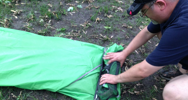 how to pack your tent