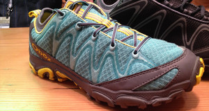 oboz emerald peak hiking shoe