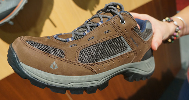 vasque breeze low hiking shoes
