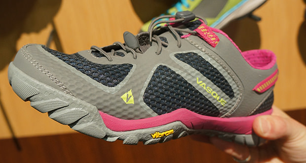 vasque lotic hiking shoes