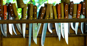 packing kitchen knives
