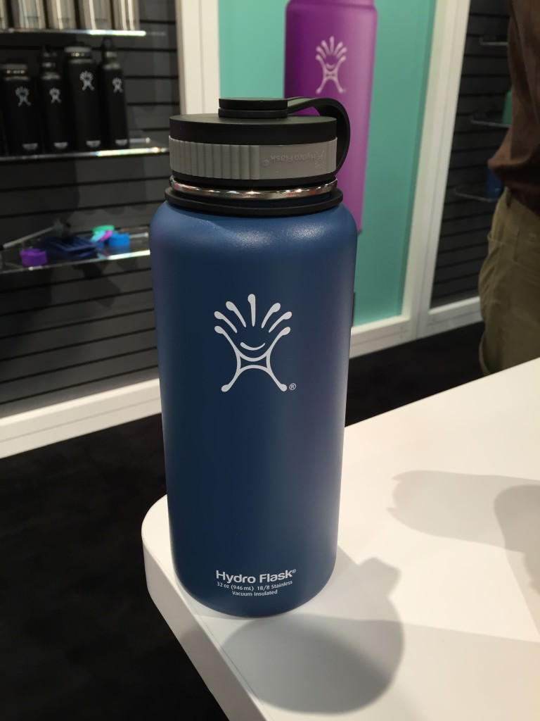 Hydro Flask 32 Oz Vacuum Insulated Bottle 50 Campfires