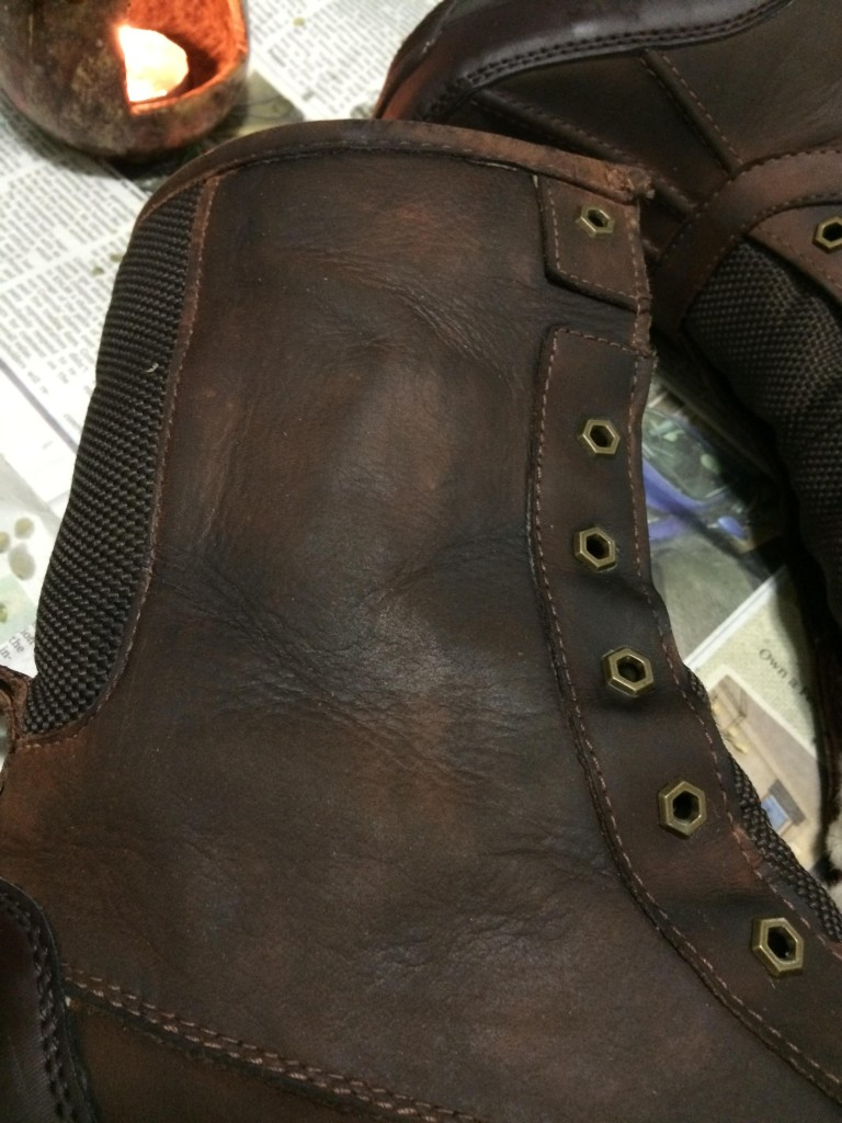 Looking at the brown boots again, I noticed that it had unevenly colored. I melted in another layer to even it out into a darker brown.