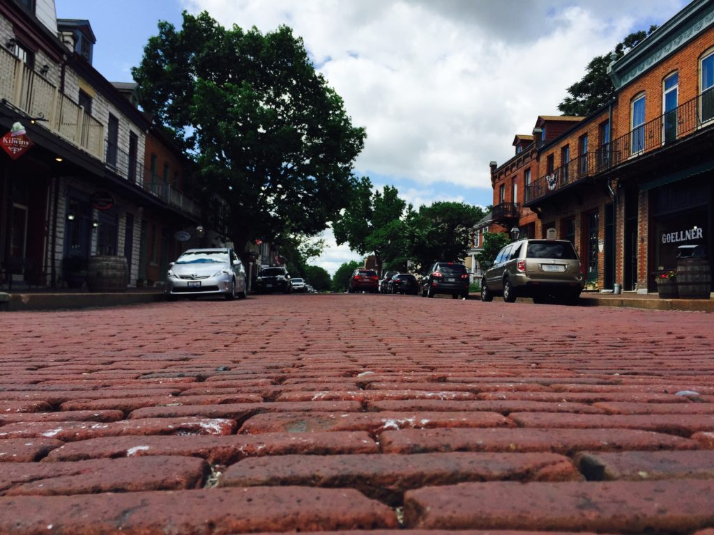 Cobblestone streets. Bad for cars. Great for pictures.