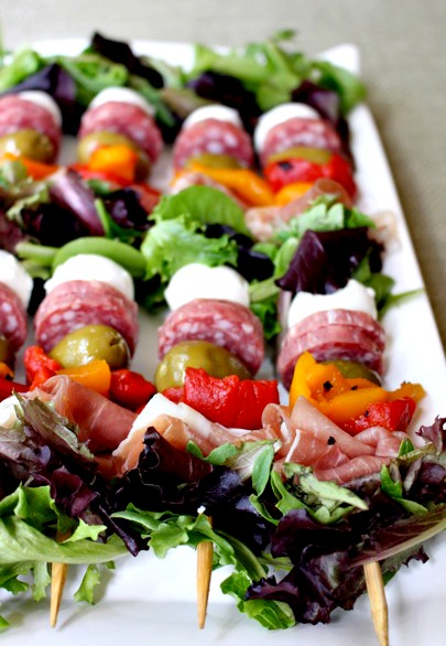 Click here to see Mantitlement's recipe for Antipasto Salad Kebabs</a