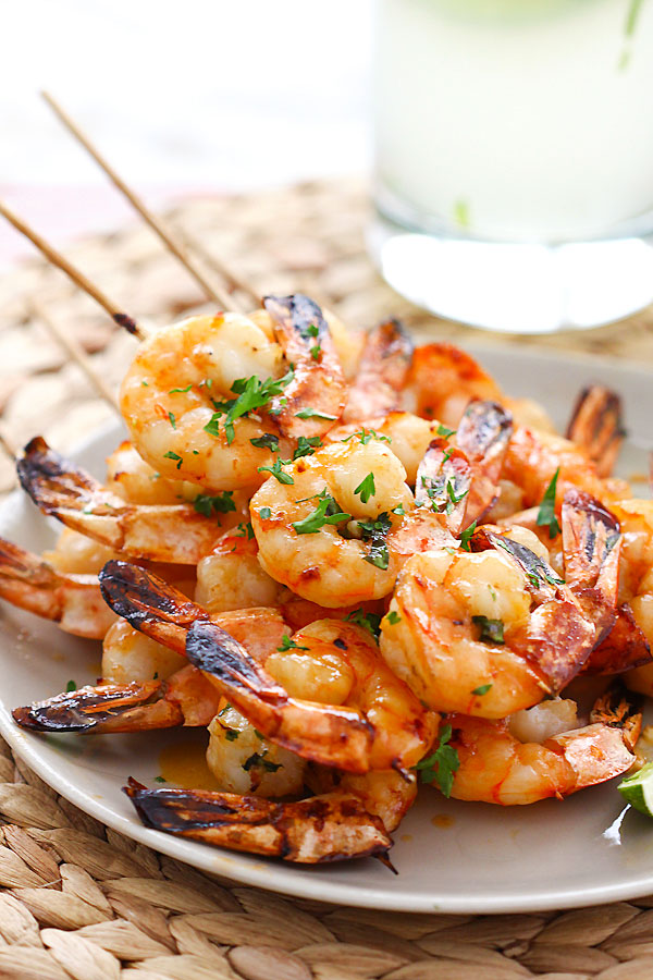 Click here to see Rasa Malaysia's recipe for Honey Sriracha Shrimp Kebabs</a