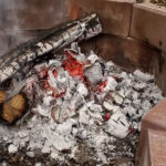 how_to_build_keyhole_fire_hot_coals