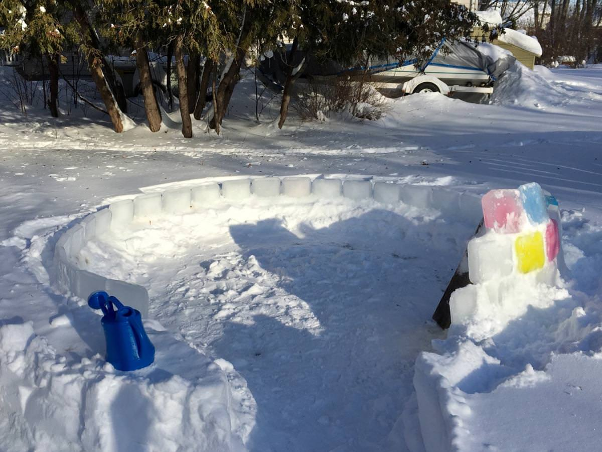 Step By Step Instructions To Build An Ice Block Igloo - 50