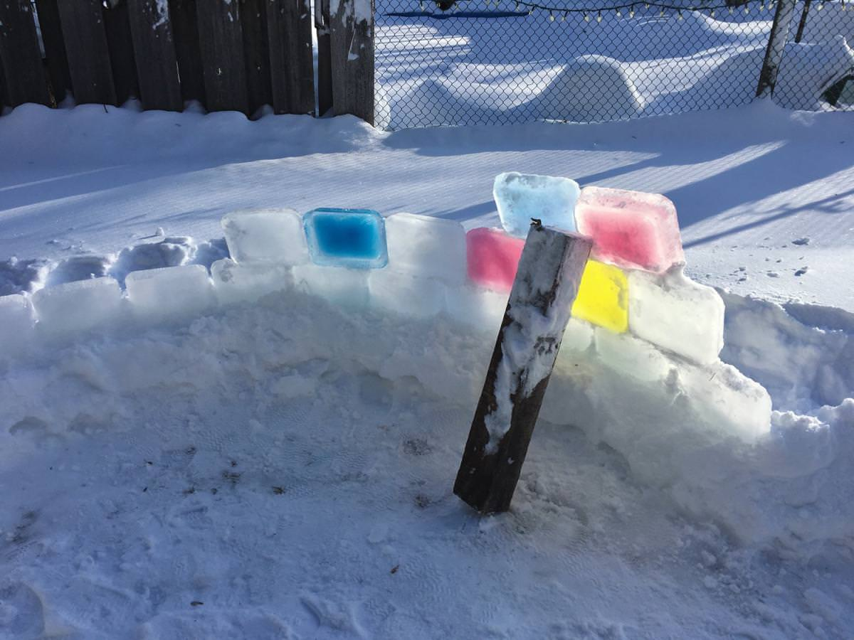Step By Step Instructions To Build An Ice Block Igloo - 50 Campfires
