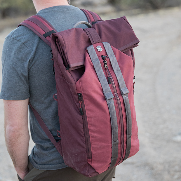 Victorinox Swiss Army Altmont Active Backpacks  Review - 50 Campfires 7674c64bad51c