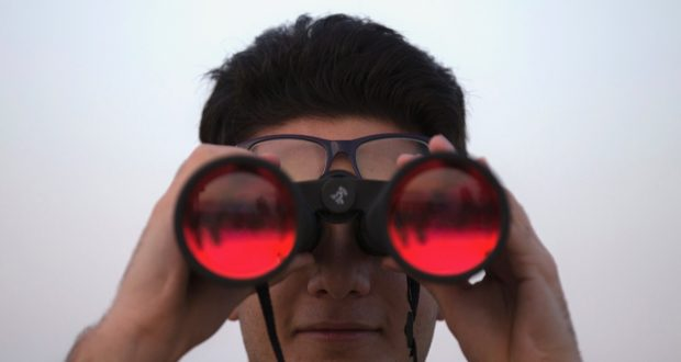 how to choose binoculars