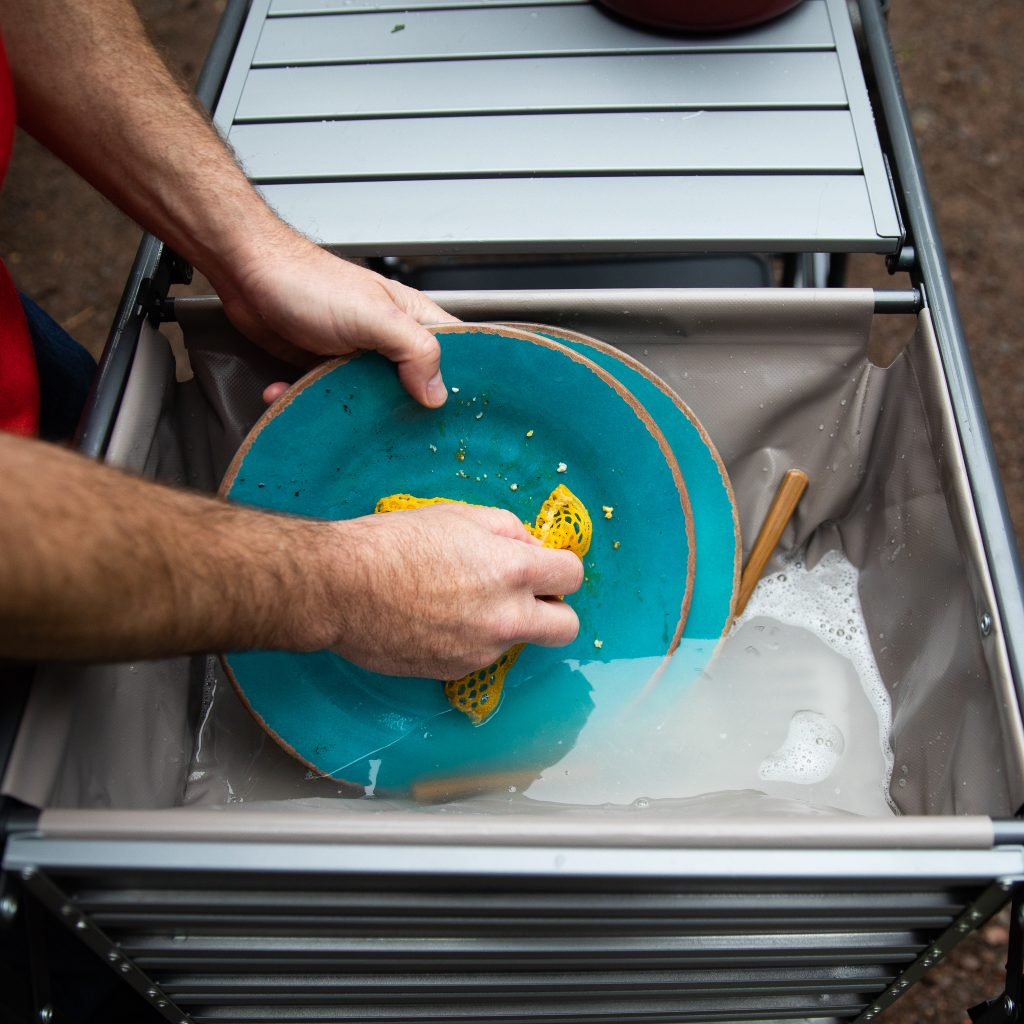 gci outdoor master cook station washing dishes