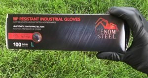 Venom steel gloves