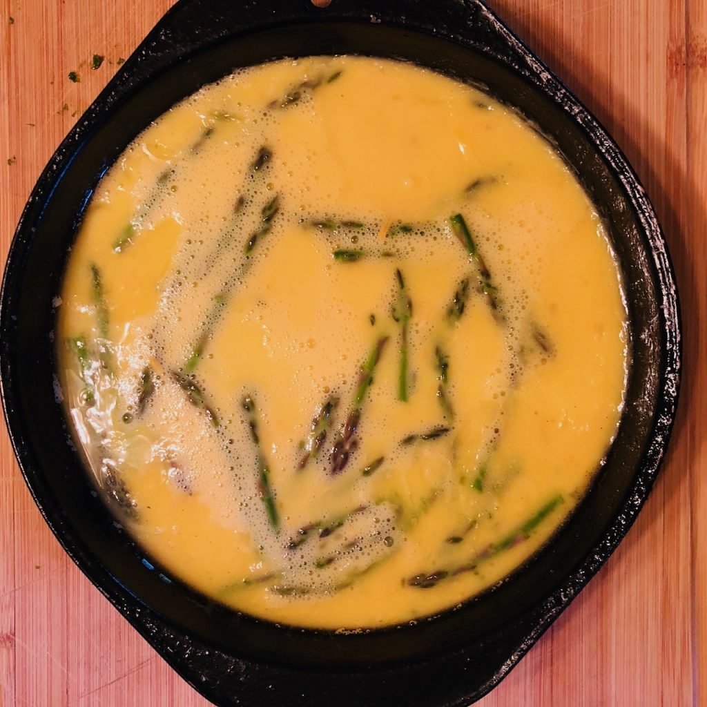 breakfast frittata with asparagus cooking